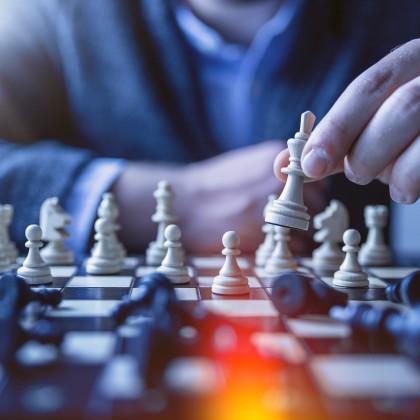 起業コラム4|リーダーの本質とは